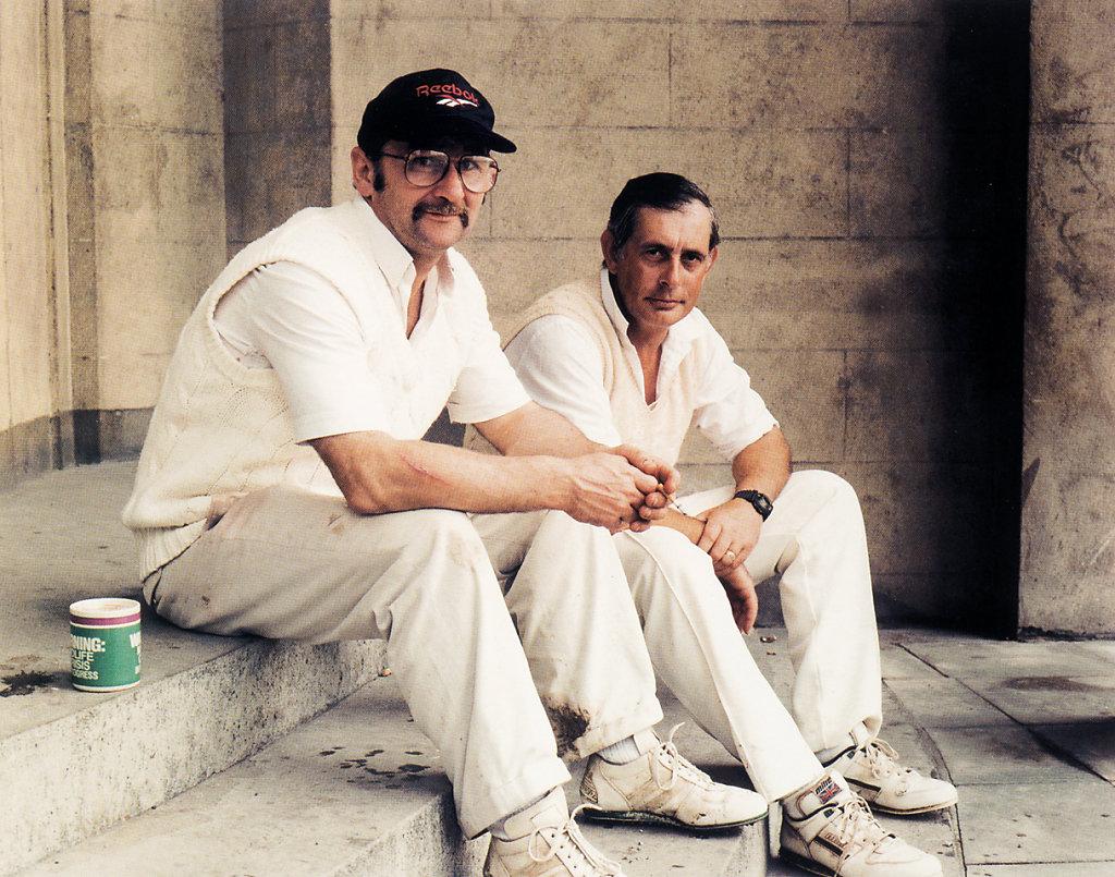 Postcardbook Tropen 2000 (Cricketplayers Dublin)