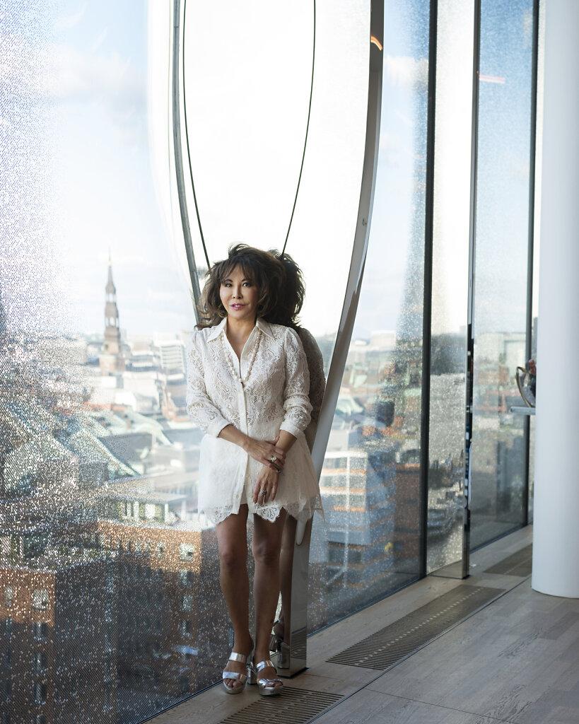 Wallpaper Lady Linda Wong Davies Hamburg 2017